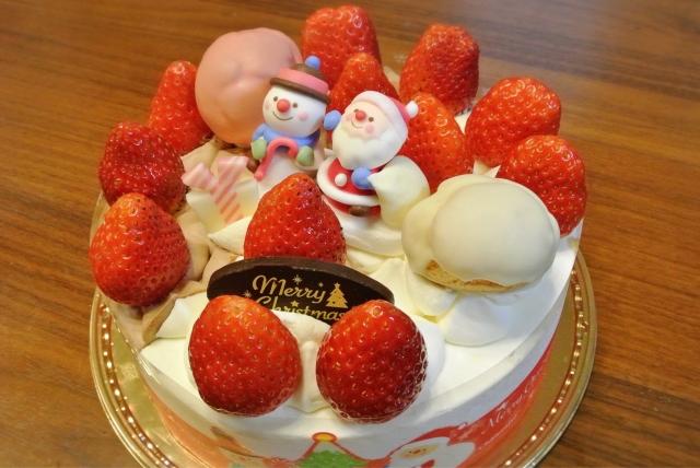 クリスマス用のホールケーキ