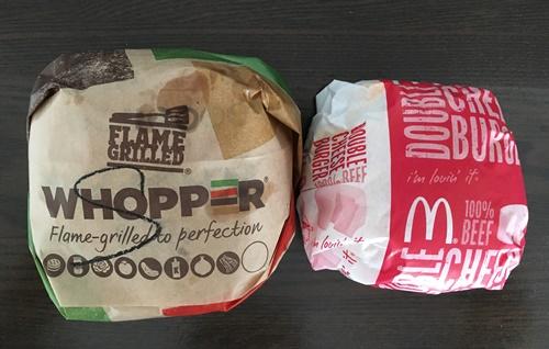 ワッパーとダブルチーズバーガーの大きさの違い