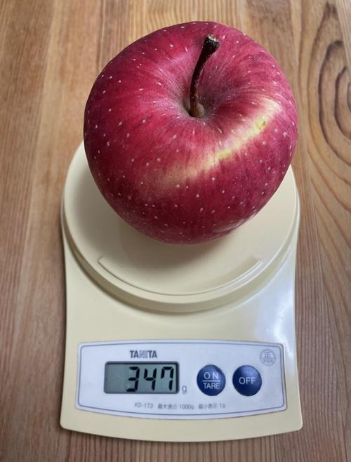 1個347gのりんご