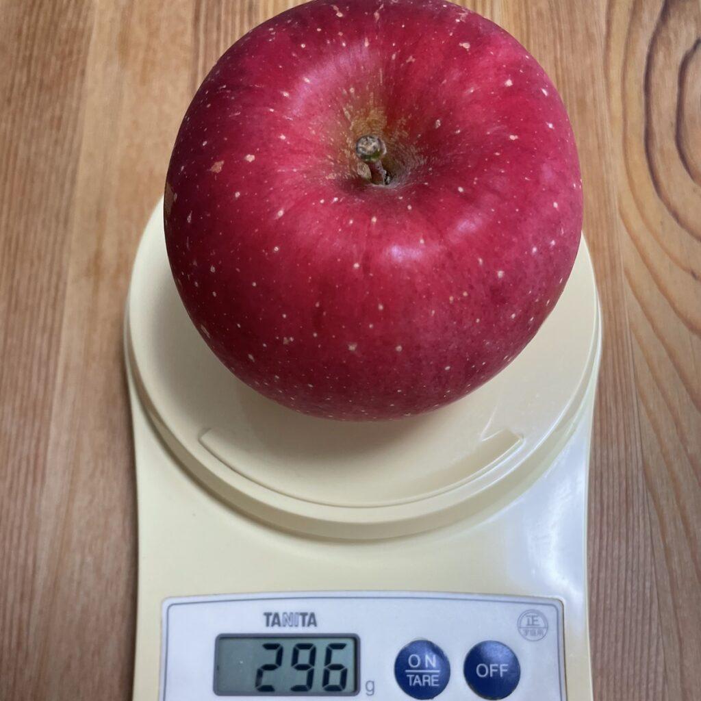 300g弱のりんご