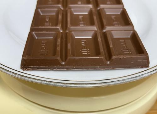 明治の板チョコの厚み